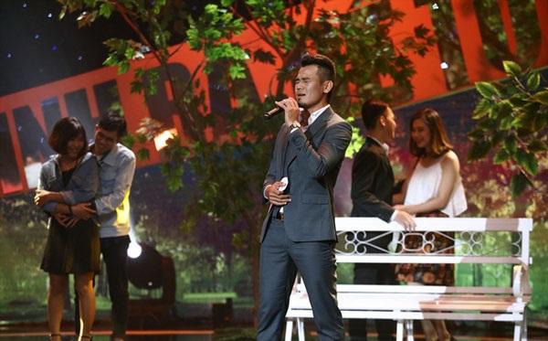 Lần đầu tiên hát trên sóng truyền hình, Phan Thanh Bình không tránh khỏi sự căng thẳng, mất bình tĩnh.
