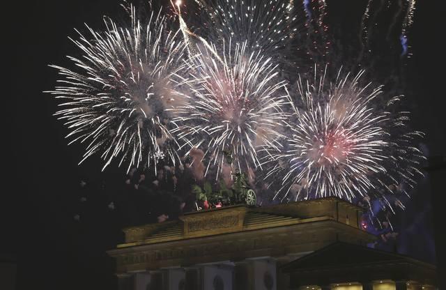 Cổng thành Brandenburg luôn là địa điểm đón năm mới yêu thích của người dân Đức (Ảnh: Reuters)