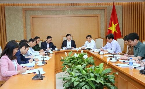 Phó Thủ tướng yêu cầu cần rà soát chi phí trong các khâu nhằm giảm các chi phí trung gian, giảm sự chênh lệch giữa giá thu mua và giá bán lẻ (ảnh: VGP)