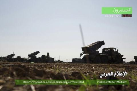 Pháo phản lực BM-21 Grad khủng bố chiếm được từ quân chính phủ Syria.