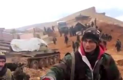 Quân đội chính phủ Syria dồn quân ở ngoại ô Damascus.
