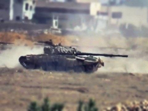 Xe tăng Syria tiến đánh thành trì của phiến quân ở Đông Ghouta