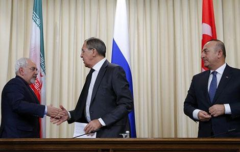 Cuộc họp cấp Ngoại trưởng 3 bên Nga, Thổ Nhĩ Kỳ và Iran bàn về lệnh ngừng bắn ở Syria tại Moskva ngày 20-12-2016.