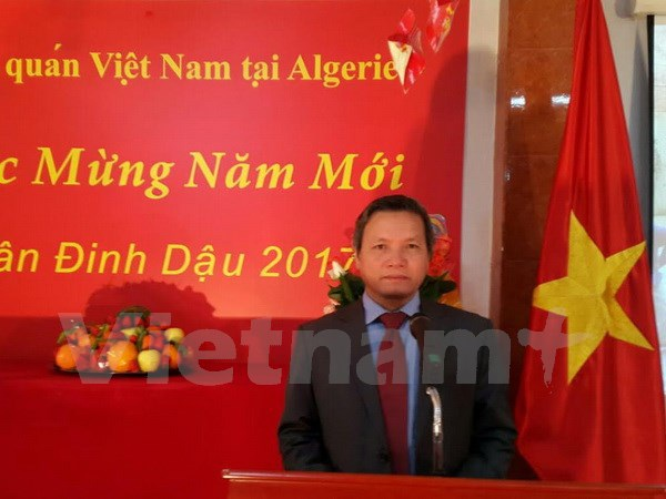 Cộng đồng người Việt Nam tại Algeria vui mừng đón Xuân Đinh Dậu - 1