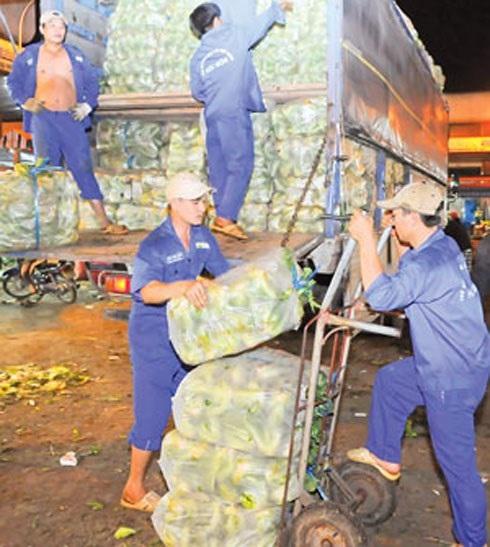 Nỗi lo ngày Tết... của những người lao động nghèo - 1