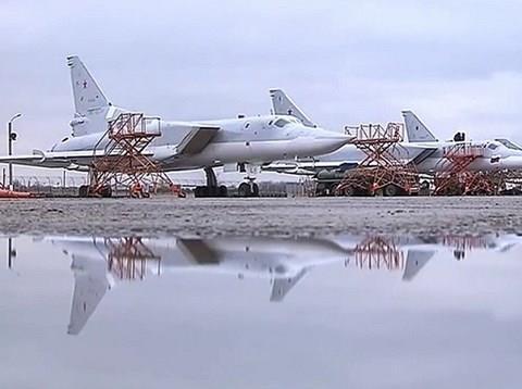 Nga đã triển khai hàng loạt máy bay Tu-22M3 đến ném bom Deir Ezzor