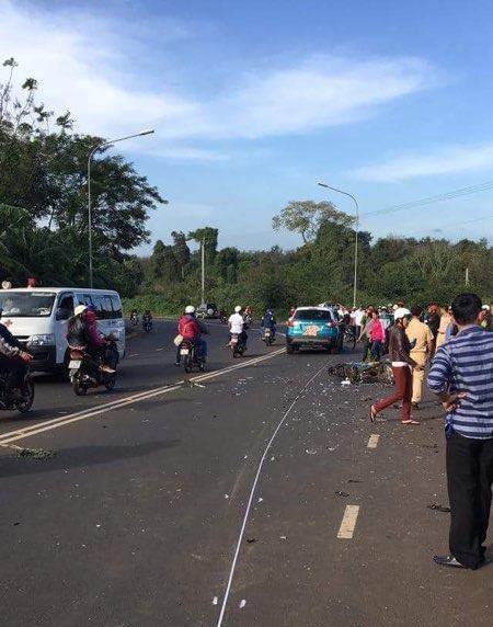 Hiện trường vụ tai nạn làm 1 người chết xảy ra vào chiều ngày 28/1 (mùng 1 Tết) tại tỉnh Đăk Lăk. (Ảnh: Thúy Diễm)