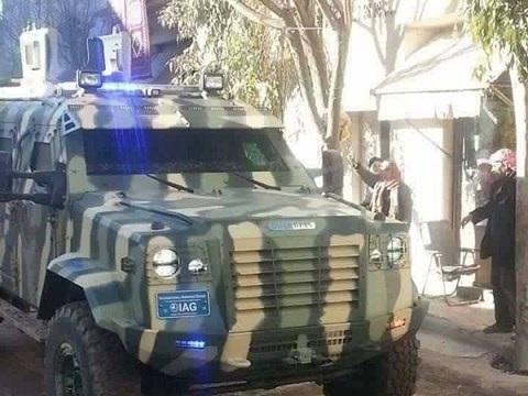Lực lượng người Kurd ở Syria vừa nhận xe bọc thép mới của Mỹ - 1