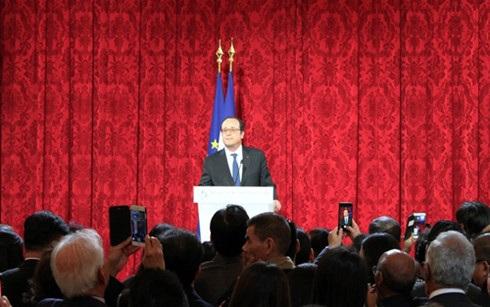 Tổng thống Pháp Francois Hollande phát biểu tại buổi lễ mừng Tết châu Á 2017.