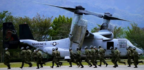 Lính Mỹ luyện tập tại một căn cứ ở Nhật Bản. Ảnh: The Japan Times.