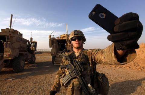 Đặc nhiệm Mỹ selfie tại Mosul