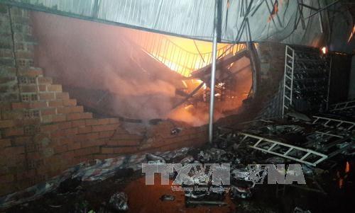 Vụ cháy cửa hàng giày dép khiến 2 mẹ con chết thương tâm ở Bình Phước.