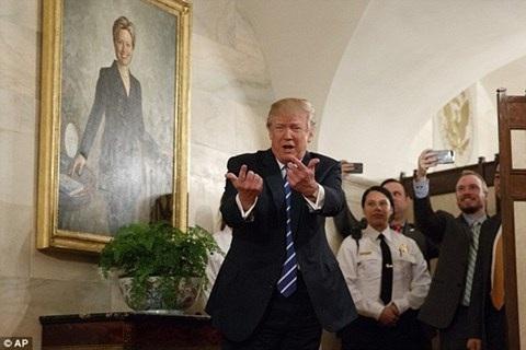 Sự xuất hiện của Tổng thống khiến nhiều người phấn khích