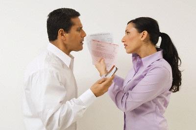 Dọa chồng ly hôn, bất ngờ chồng đồng ý ký roẹt - 1
