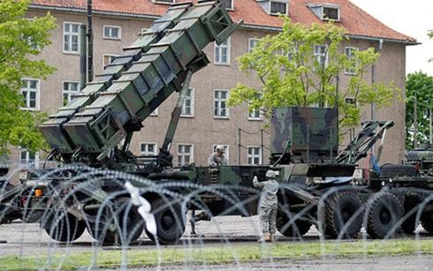 Khẩu đội tên lửa đất đối không Patriot của Mỹ triển khai tại một căn cứ lục quân ở Ba Lan năm 2010. Ảnh: Reuters.