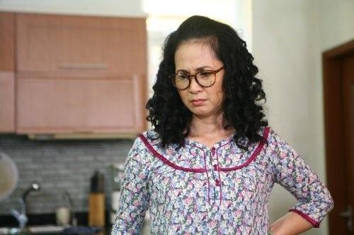 NSND Lan Hương vào vai bà mẹ chồng tai quái trong phim Sống chung với mẹ chồng, phát sóng trên kênh VTV1 vào 6/4 tới.