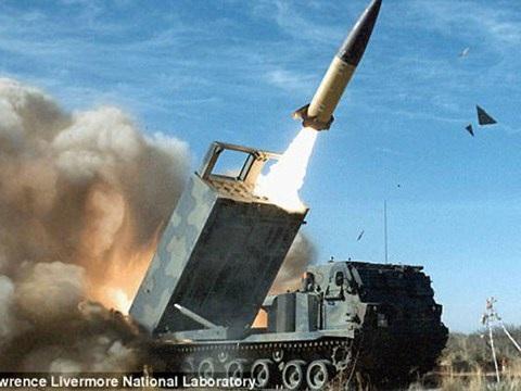 Quân đội Mỹ đang xem xét trang bị vũ khí hủy diệt để đối phó với Cha của các loại bom của Nga