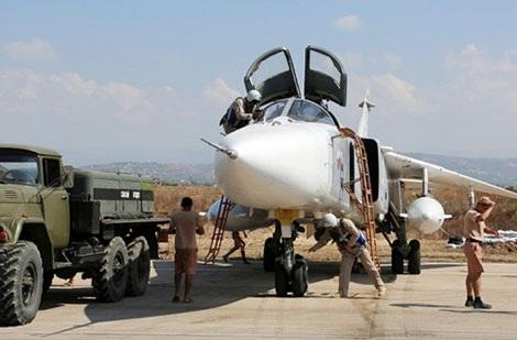 Tiêm kích Nga tại căn cứ Hmeymim, Syria.