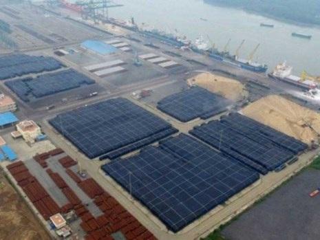 Kho nhôm khổng lồ 500.000 tấn tại Vũng Tàu. Ảnh: Wall Street Journal