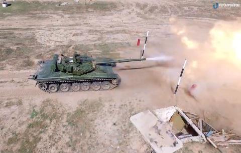 Tăng T-80 của Ukraine.