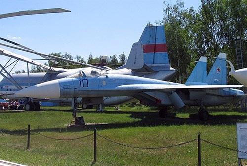 40 năm của một trong những dòng máy bay chiến đấu thành công nhất thế giới - Su-27 - 1