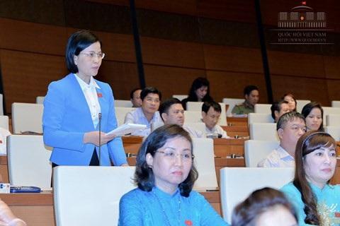 Đại biểu Bùi Thu Hằng là Phó Giám đốc Sở Y tế TPHCM.