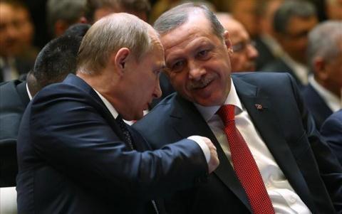 NATO đang đẩy Thổ về phía Nga