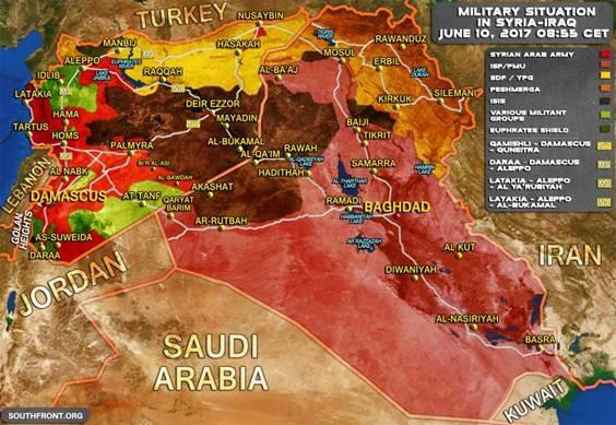 """Trên bản đồ, vùng đệm của liên minh Mỹ chỉ còn lại một dải ngắn tại ngã 3 biên giới Syria-Jordan-Iraq. Vùng màu đỏ là của quân chính phủ kiểm soát và như vậy Al-Tanf là """"thủ phủ"""" còn lại của lực lượng FSA đang án ngữ cao tốc Damascus-Baghdad."""