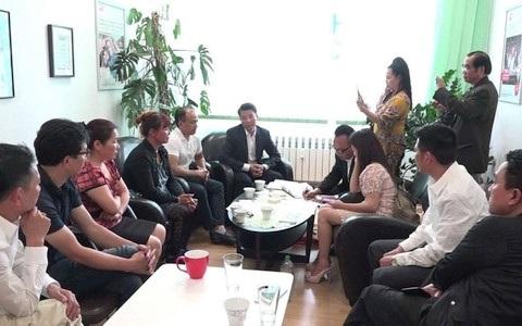 Cuộc họp báo của Ban tổ chức hội đồng hương Nghệ An về việc hỗ trợ hai anh em Nguyễn Hữu Mạnh và Nguyễn Hữu Dũng.