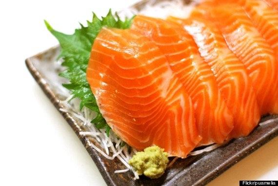 Người Nhật ăn nhiều cá béo như cá hồi, cá ngừ.