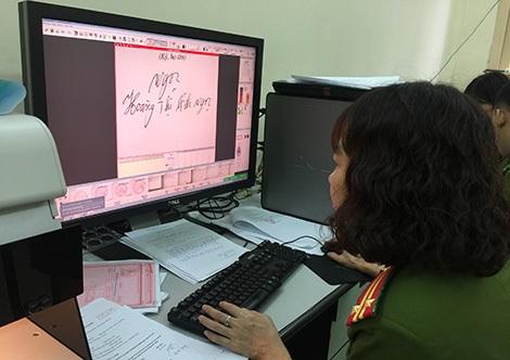 Công tác giám định chữ viết góp phần truy nguyên thủ phạm trong các vụ án hình sự.
