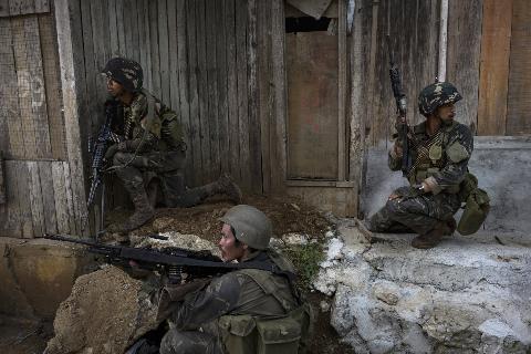 Binh sĩ Philippines đang chiến đấu tại thành phố Marawi