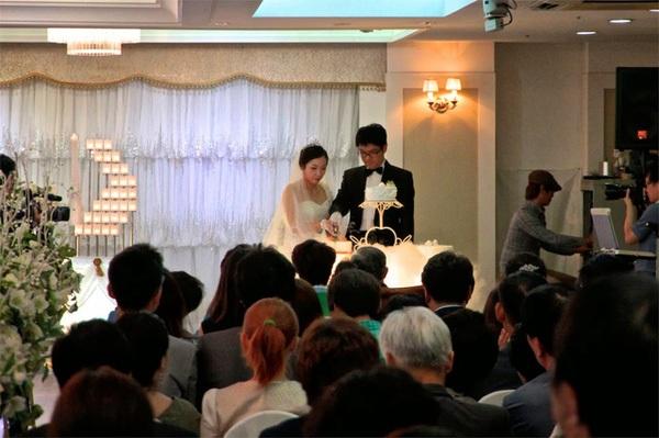 Đi đám cưới thuê vừa được ăn, lại còn vừa được tiền (ảnh minh họa)