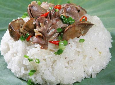 Sự khác biệt duy nhất giữa gạo nếp và gạo tẻ là do cảm quan của chúng ta về độ dính và độ dẻo của chúng. Trong thực tế, hai loại gạo này gần như tương đồng về mặt giá trị dinh dưỡng.