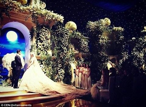 Đám cưới như cổ tích của cô dâu chú rể