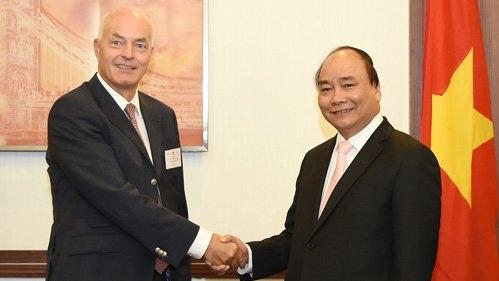 Thủ tướng tiếp Giám đốc điều hành khu vực ASEAN của Tập đoàn BMW. Ảnh: VGP