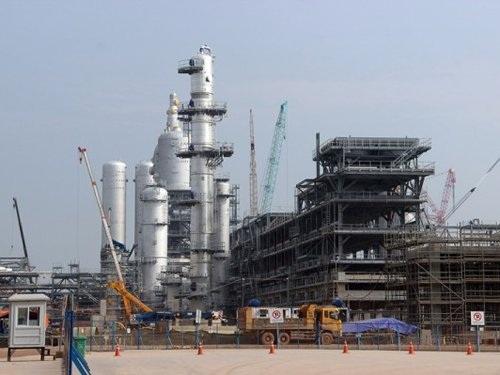Việc bao tiêu sản phẩm và bù thuế cho lọc dầu Nghi Sơn là vấn đề phức tạp.
