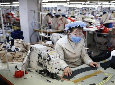 Ngành may mặc đang mang lại lợi ích cho cả Trung Quốc và Triều Tiên