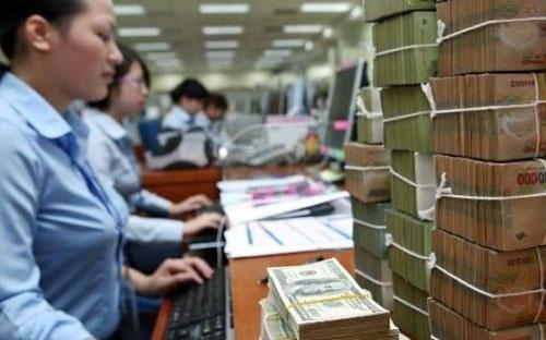 Dòng tiền lại đổ vào thị trường chứng khoán.
