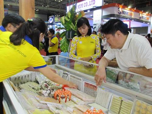 Khách Trung Quốc tham quan Hội chợ Vietfish 2017