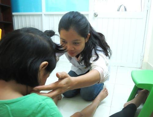 Can thiệp tâm lý cho trẻ ở Bệnh viện Chỉnh hình và Phục hồi chức năng TP HCM