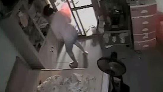 Một vụ ôsin trộm cắp tài sản bị phát hiện qua camera an ninh