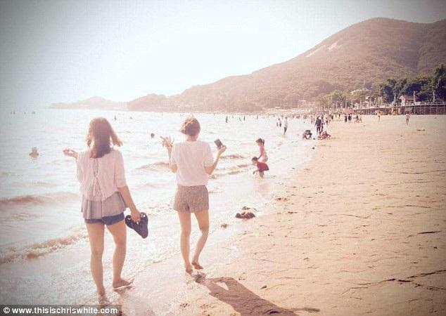 Bãi biển Dongmak là điểm đến phổ biến trong mùa hè đối với các khách du lịch quốc tế đến Hàn Quốc.