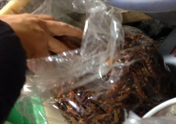 Rùng mình ớt khô nhiễm nấm độc gây ung thư - 1