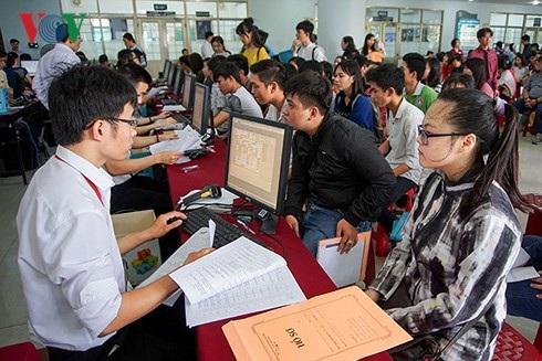 Nhiều trường đại học ở TPHCM dự kiến thay đổi phương thức tuyển sinh - 1