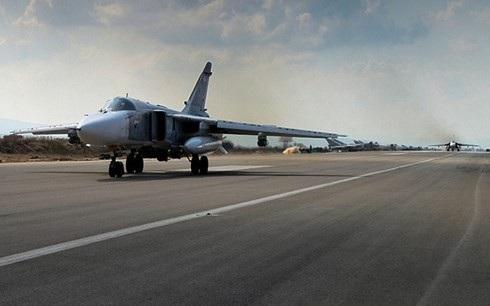Chiến đấu cơ Nga hạ cánh tại căn cứ Không quân Hmeymim ở Syria. Ảnh: Reuters