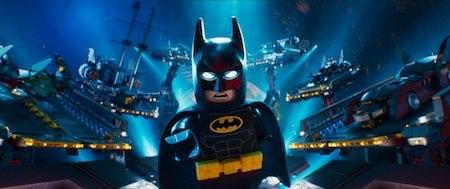 """Warner Bros sẽ bắt đầu cuộc đua với bộ phim hoạt hình """"The LEGO Batman movie"""", tác phẩm """"ăn theo"""" bộ phim """"The LEGO movie"""" quá đỗi thành công trước đó. Trong phần phim này, Batman sẽ có màn đối đầu không khoan nhượng với bộ đôi ác nhân Joker, Harley Quinn và các thành viên của Justice League cũng sẽ góp mặt."""