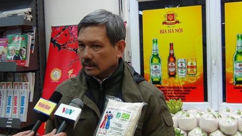 Ông Ngô Minh Đường, chủ siêu thị Thanh Bình Jeune, chia sẻ về việc hàng Việt gặp khó khi phải cạnh tranh với hàng hóa của nhiều quốc gia khác tại Pháp và châu Âu.