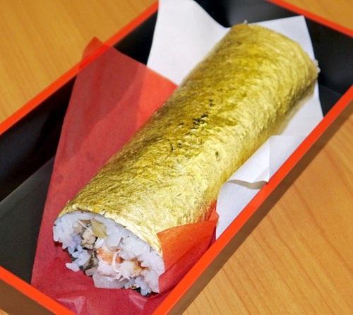 Sushi bọc vàng giá hơn 2 triệu đồng/cuộn - 2