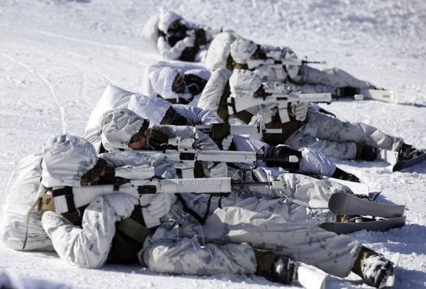 Lính Mỹ và Hàn Quốc trong một cuộc tập trận mới diễn ra. Ảnh: Daily Mail.